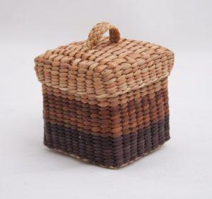 scatolina-quadrata-marrone